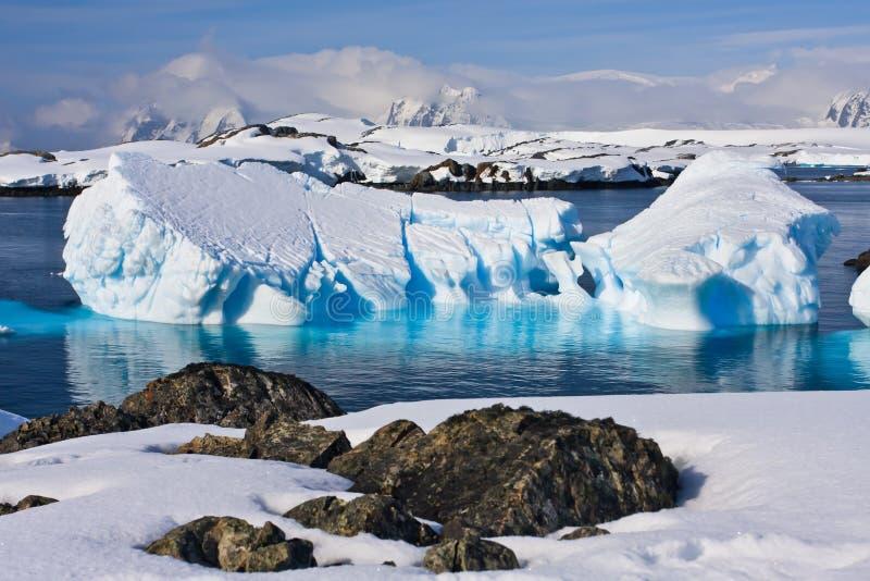 Iceberg enorme en Ant3artida foto de archivo libre de regalías