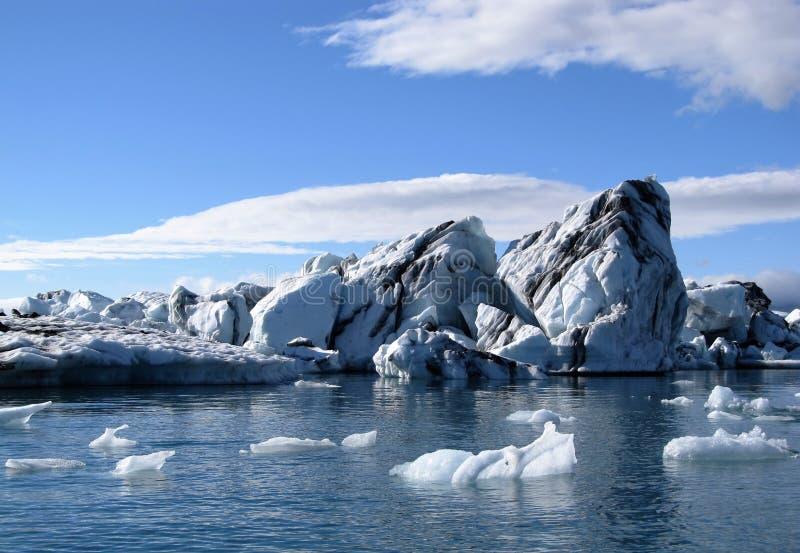 Iceberg nella laguna del ghiaccio di Jokulsarlon, Islanda fotografia stock