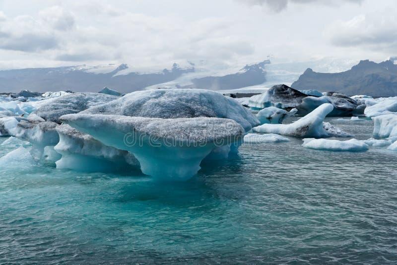Iceberg no louro de Icelands Joekulsarlon fotografia de stock