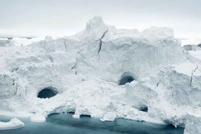 Iceberg no mar do ártico de Gronelândia fotografia de stock