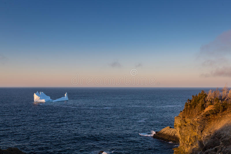 Iceberg outre de la côte de Terre-Neuve et de Labrador image stock