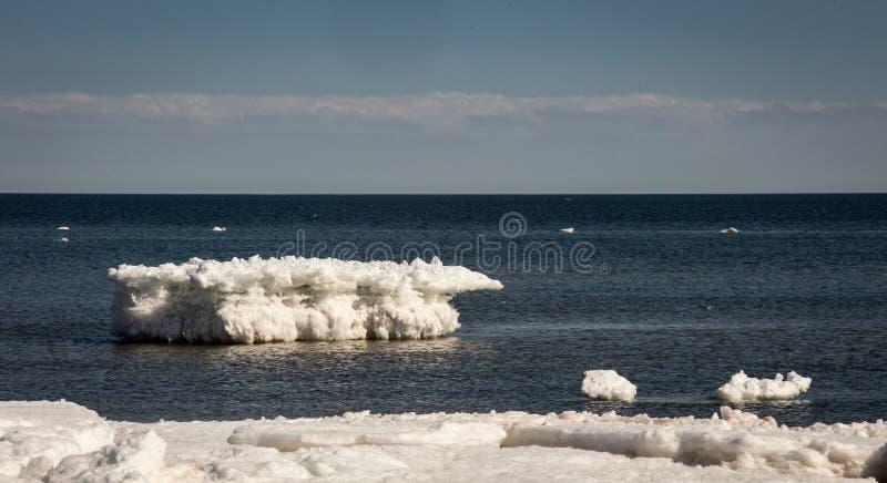 Iceberg sur l'Océan Atlantique photos stock