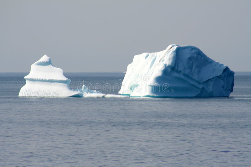 Download Icebergs photo stock. Image du ressort, compartiments - 8655850