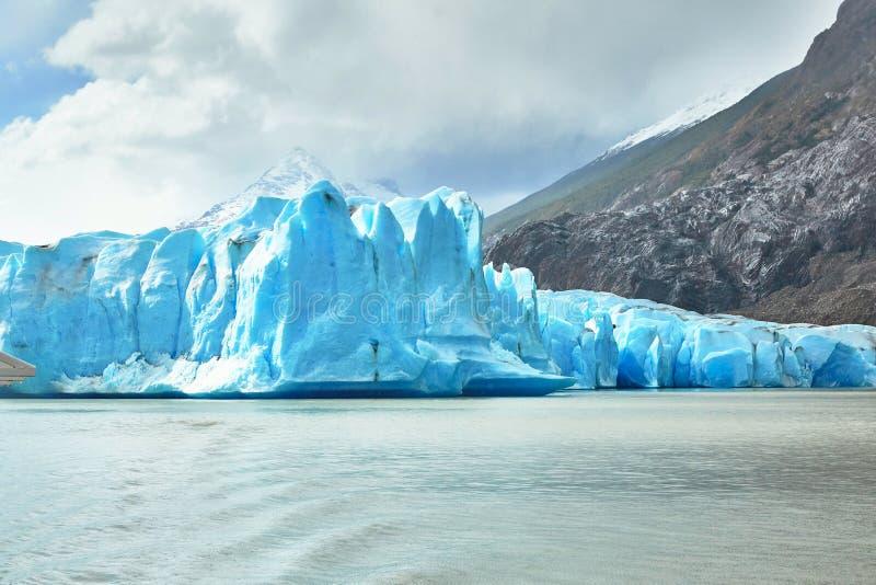Icebergs bleus chez Grey Glacier en Torres del Paine photos libres de droits