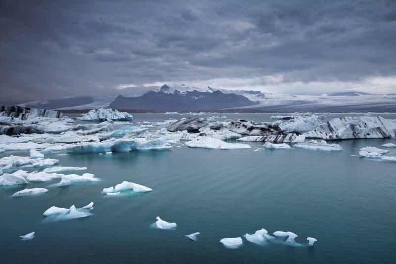 Icebergs de flottement. photographie stock