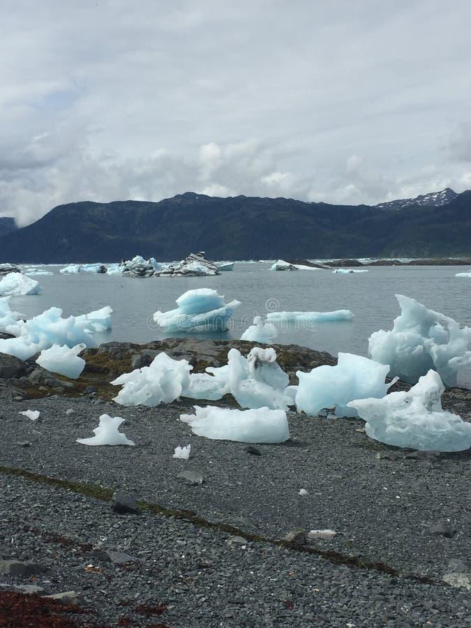 Icebergs en la bahía Alaska de Columbia imagen de archivo libre de regalías
