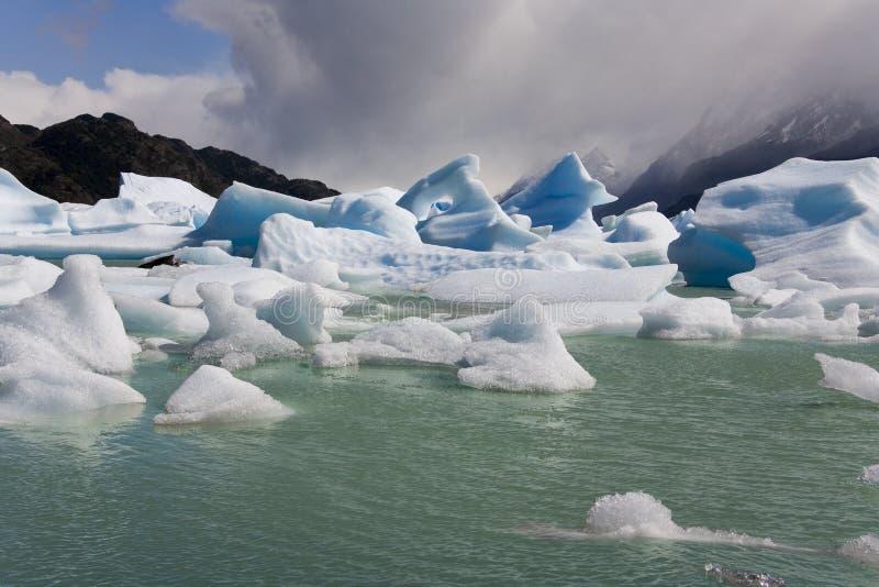 Icebergs - largo gris - Patagonia - Chile imagen de archivo