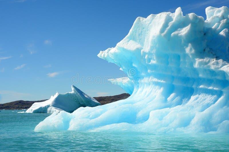 Icebergs que flotan en el Océano Atlántico, Groenlandia fotos de archivo