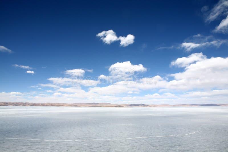 icebound lake arkivfoton