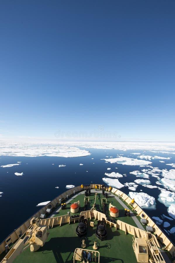 Icebreaker w lodzie zdjęcie royalty free