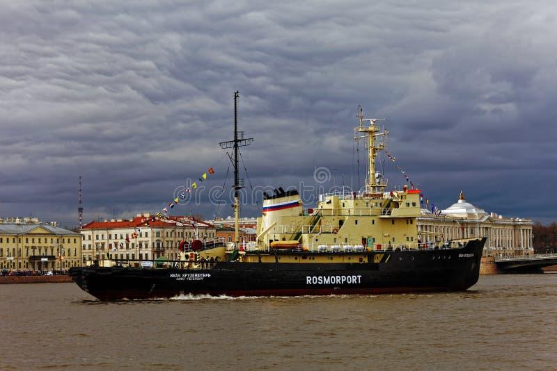Icebreakers festiwal w St Petersburg, Rosja Icebreaker IVAN KRUZENSHTERN fotografia royalty free