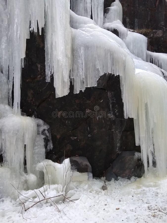 Icefall Nature& x27; escultura de gelo de s fotos de stock