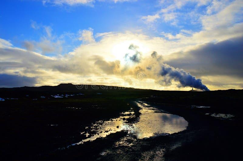 Iceland latarnia morska przy półmrokiem obrazy stock