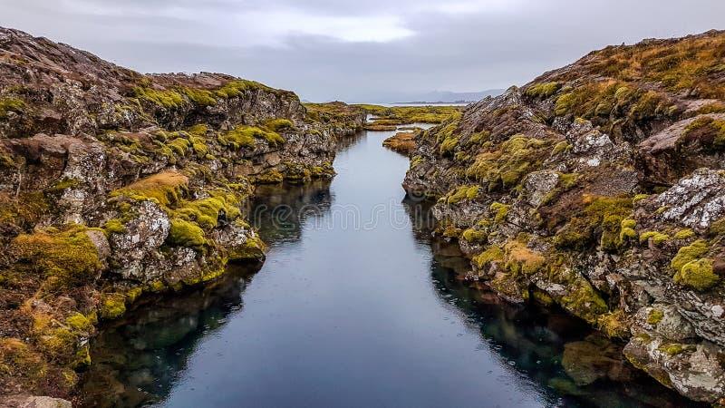 Iceland - miejsce dok?d g?rotw?rczych talerzy spotkanie zdjęcie stock