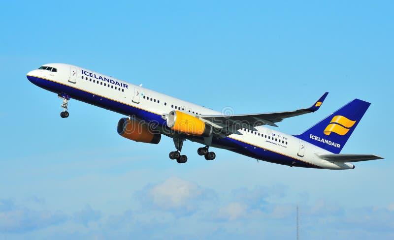 Icelandair Boeing 757 royalty free stock photos