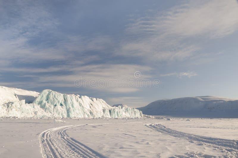 Icerberg sulle isole delle Svalbard fotografie stock libere da diritti