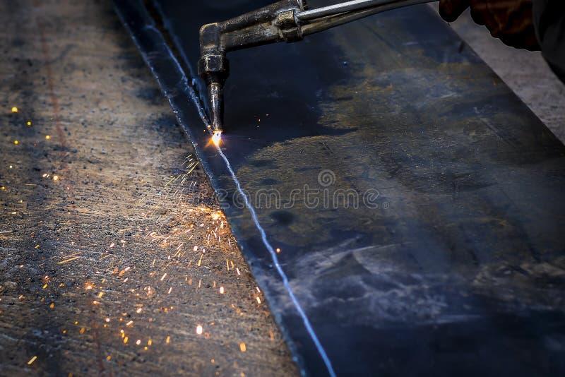 Ich benutze Stahlschneider lizenzfreies stockfoto