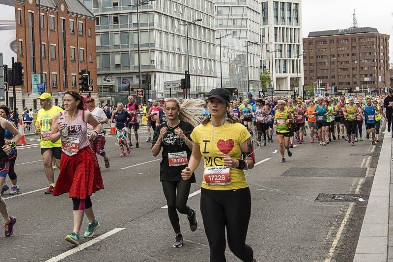 Ich liebe Manchester- - Liverpool-Marathon 2017 stockbilder