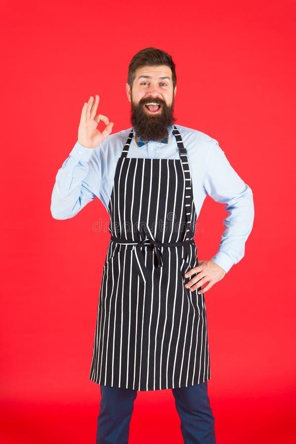 Ich wei? alles ?ber das Kochen B?rtiges Mannchefkochen Hippie, der Haus oder Restaurant kocht Modernes Caf?konzept stockfotos