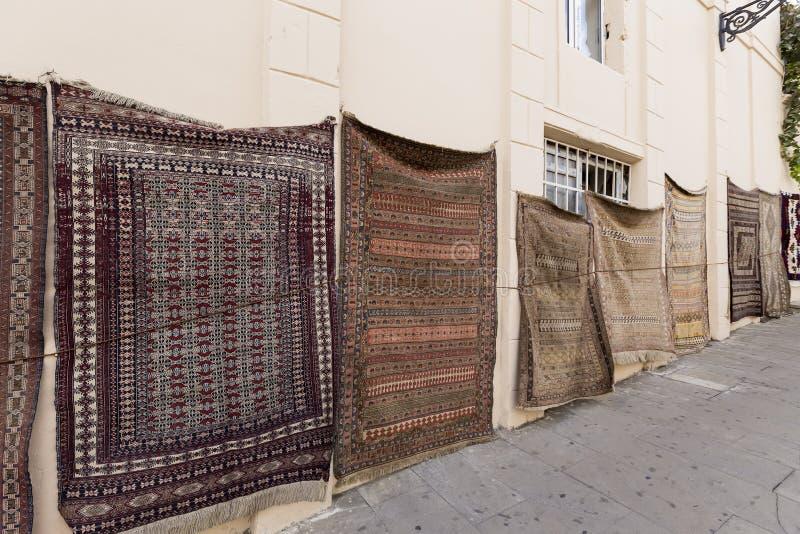 Icheri Sheher (vieille ville) de Bakou, Azerbaïdjan SH de touristes typique photos stock