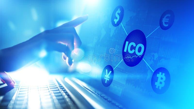 ICO -最初硬币提供,在虚屏上的Fintech,财政和cryptocurrency贸易概念 库存照片