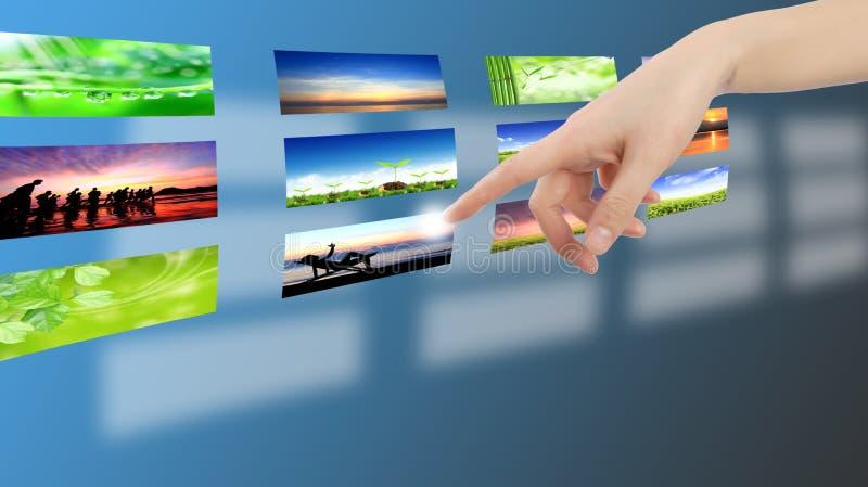 Icona del tasto di stampaggio a mano dell'uomo d'affari fotografia stock libera da diritti