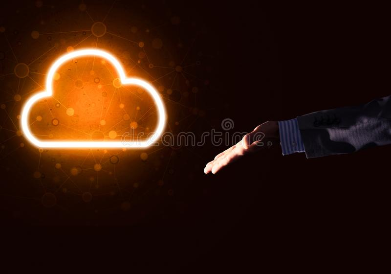 Icona della nuvola di Digital come simbolo di collegamento senza fili su fondo scuro immagine stock libera da diritti