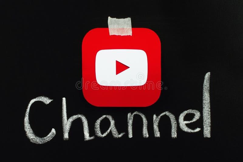 Icona di Youtube disposta sulla lavagna fotografia stock