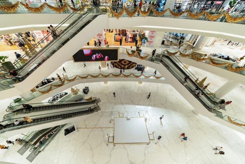 Icona Siam, centro commerciale della plaza nella costruzione moderna in struttura di architettura concettuale, decorazione di int immagine stock libera da diritti