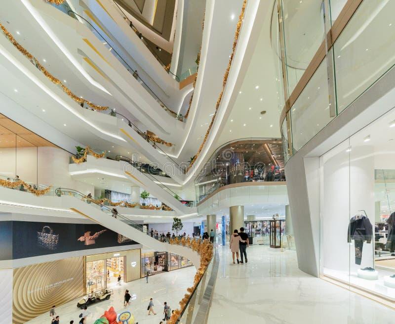 Icona Siam, centro commerciale della plaza nella costruzione moderna in struttura di architettura concettuale, decorazione di int fotografia stock