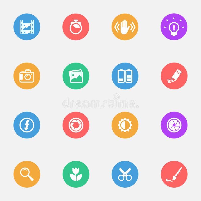 Icone piane di vettore degli strumenti della macchina fotografica sull'insieme del substrato di colore di 16 royalty illustrazione gratis