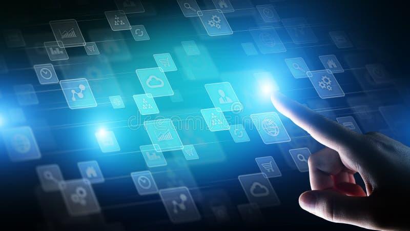 Icone sullo schermo virtuale, tecnologia, concetto di applicazioni del fondo di sviluppo fotografia stock libera da diritti