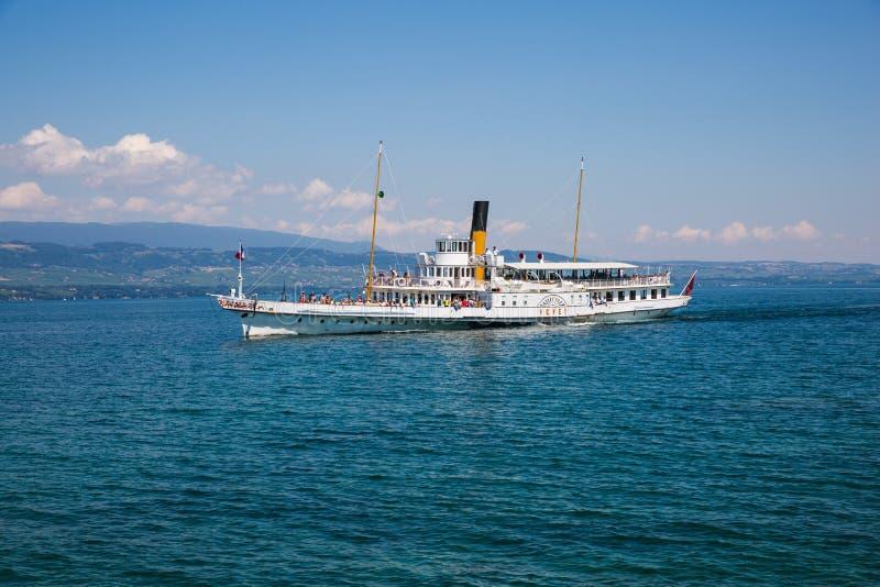 Iconisch Franco Swiss Steam Boat op Meer Leman op Sunny Summer D royalty-vrije stock afbeeldingen