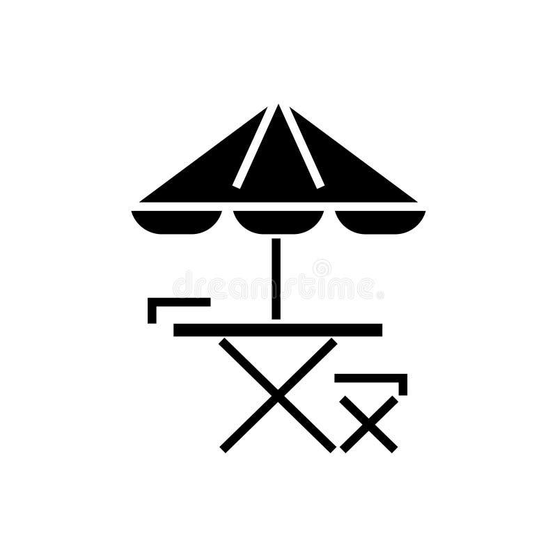 Icono del paraguas de la tabla, de la silla y de sol, ejemplo del vector, muestra negra en fondo aislado stock de ilustración