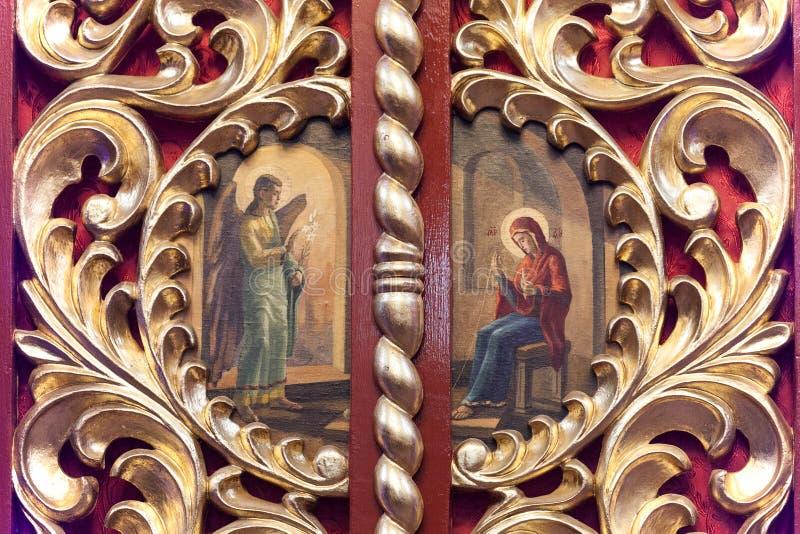 Iconostasi in chiesa ortodossa in Laszki Murowane, Ucraina fotografia stock libera da diritti