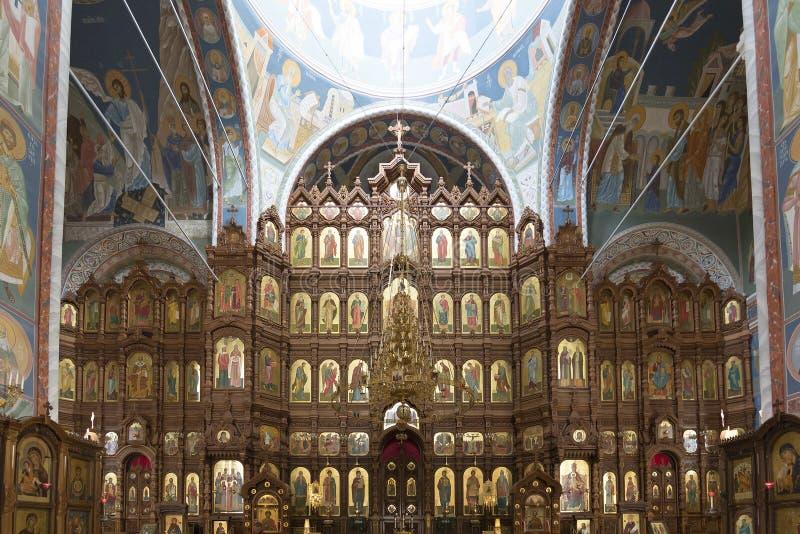 Iconostasis na catedral de St Alexander Nevsky fotos de stock