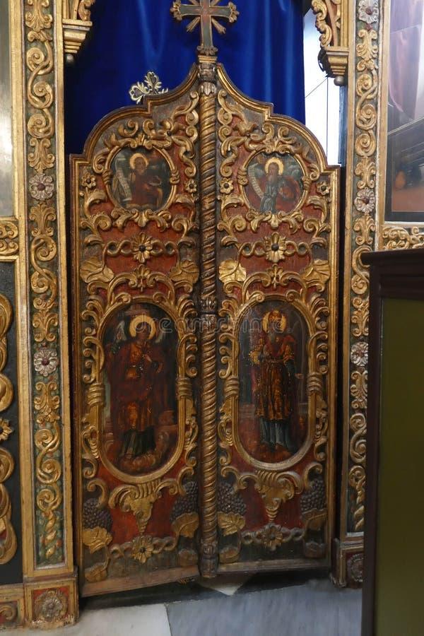 Iconostasis oddziela nave od apsydy w Savina ortodoksa monasterze zdjęcie royalty free