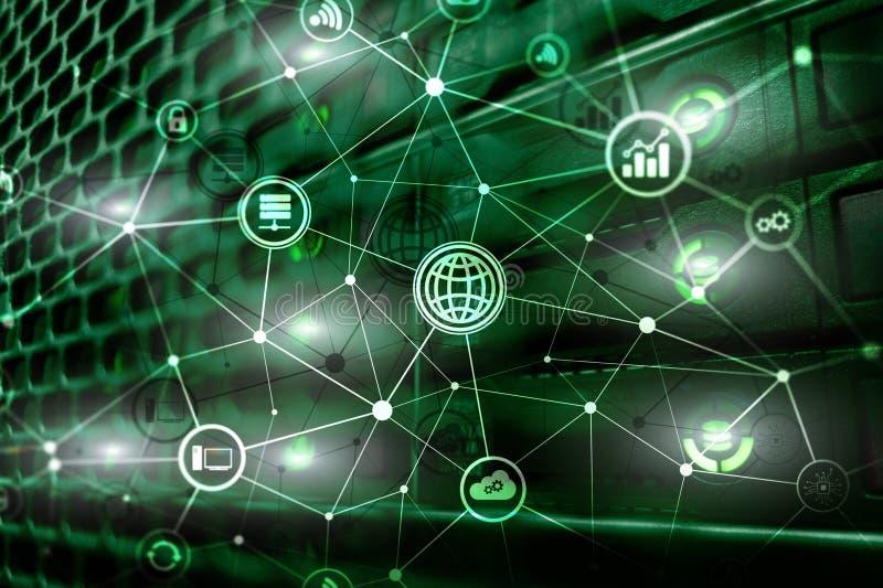 ICT - технология информации и радиосвязи и IOT - интернет концепций вещей Диаграммы с значками на комнате сервера иллюстрация вектора