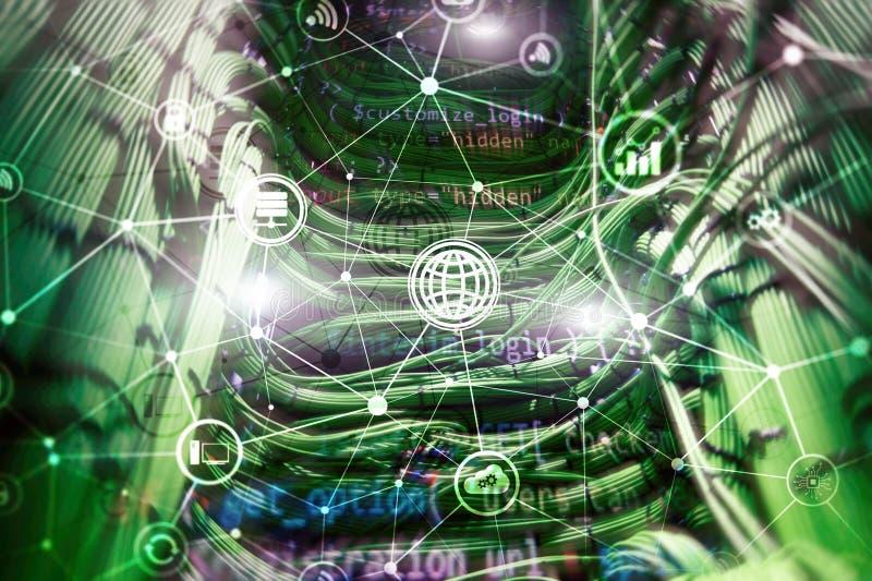 ICT - технология информации и радиосвязи и IOT - интернет концепций вещей Диаграммы с значками на задней части комнаты сервера иллюстрация штока