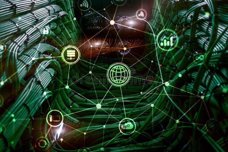 ICT - технология информации и радиосвязи и IOT - интернет концепций вещей Диаграммы с значками на задней части комнаты сервера иллюстрация вектора