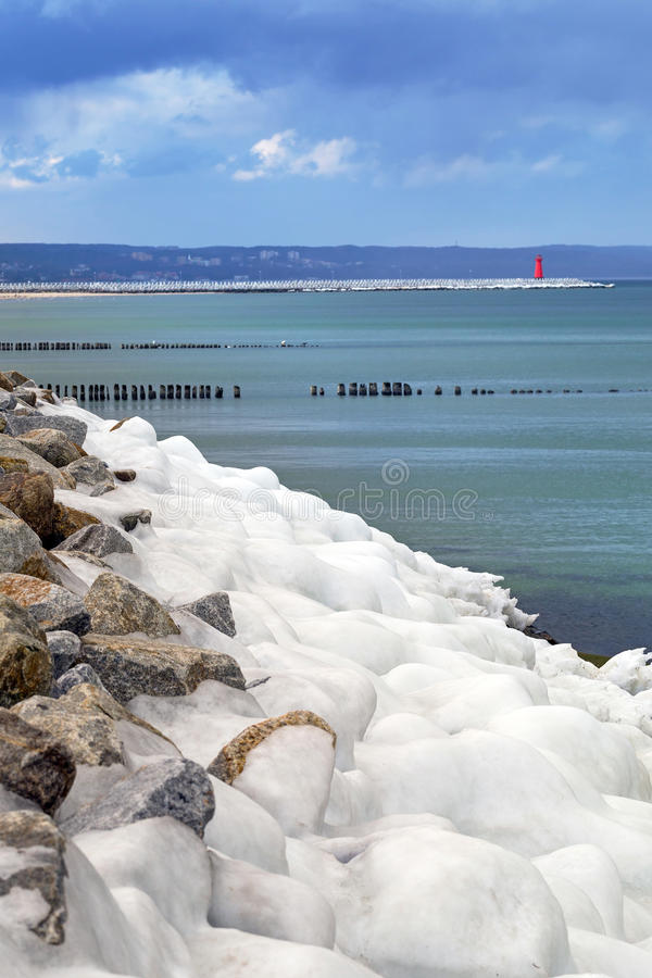Download Icy Baltic Sea Coast At Winter Time. Stock Image - Image: 38464779