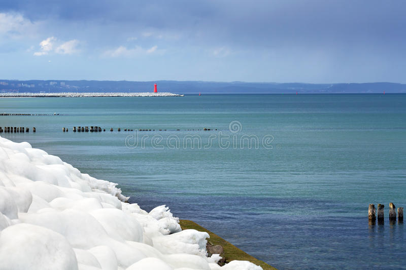 Download Icy Baltic Sea Coast At Winter Time Stock Image - Image: 38465781