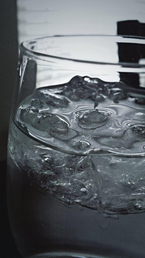 Icy bevattnar royaltyfri fotografi