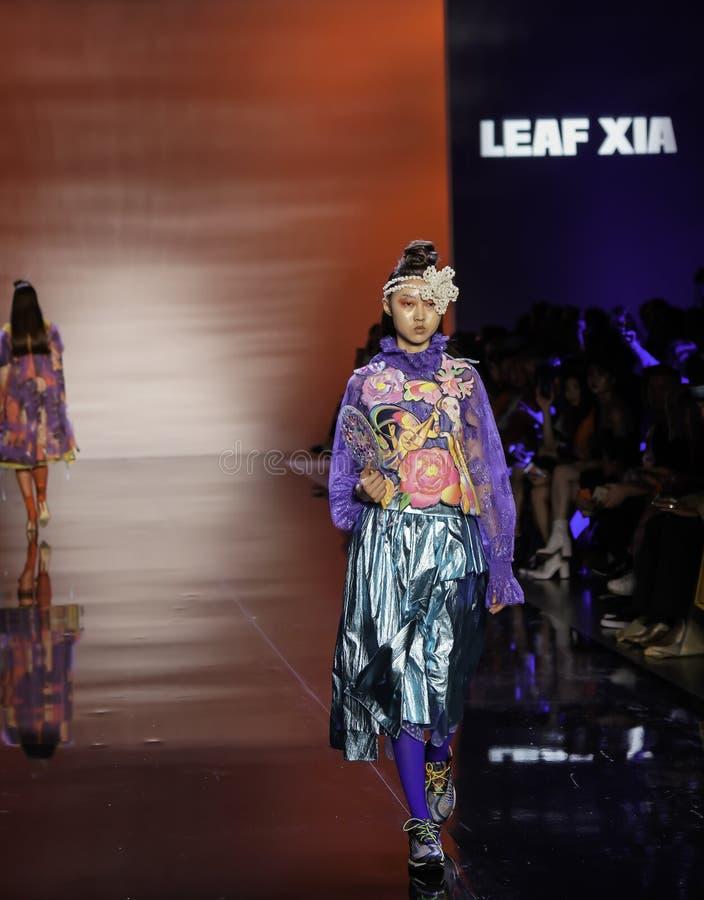 ICY Présente : piste SS2020; Semaine de la mode à New York Conception par Leaf Xia photos libres de droits