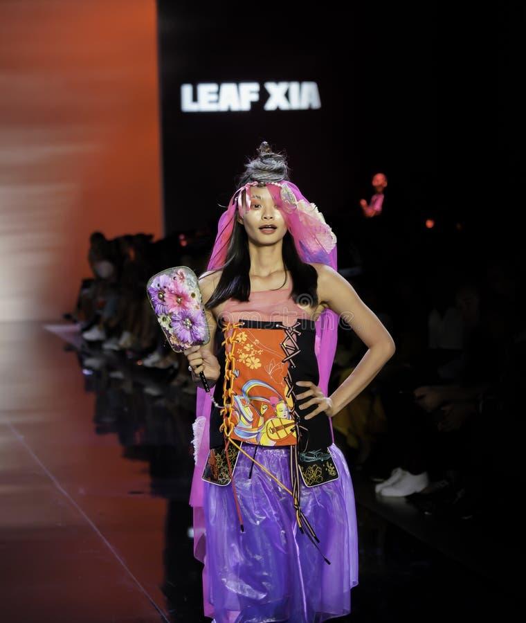 ICY Présente : piste SS2020; Semaine de la mode à New York Conception par Leaf Xia photo stock
