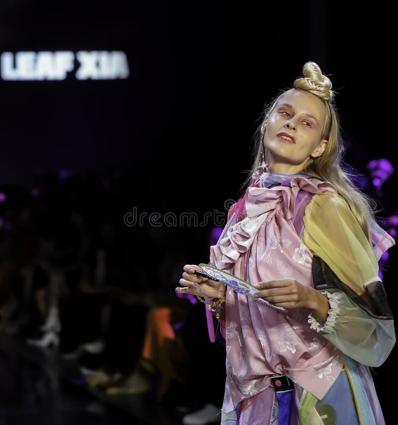 ICY Présente : piste SS2020; Semaine de la mode à New York Conception par Leaf Xia images stock