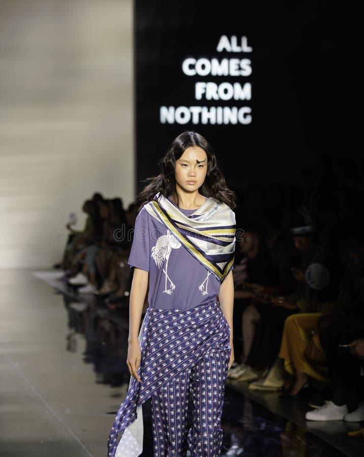 ICY Presents Eva Hu All pochodzi z niczego SS20 Runway; Tydzień mody Nowego Jorku obrazy royalty free