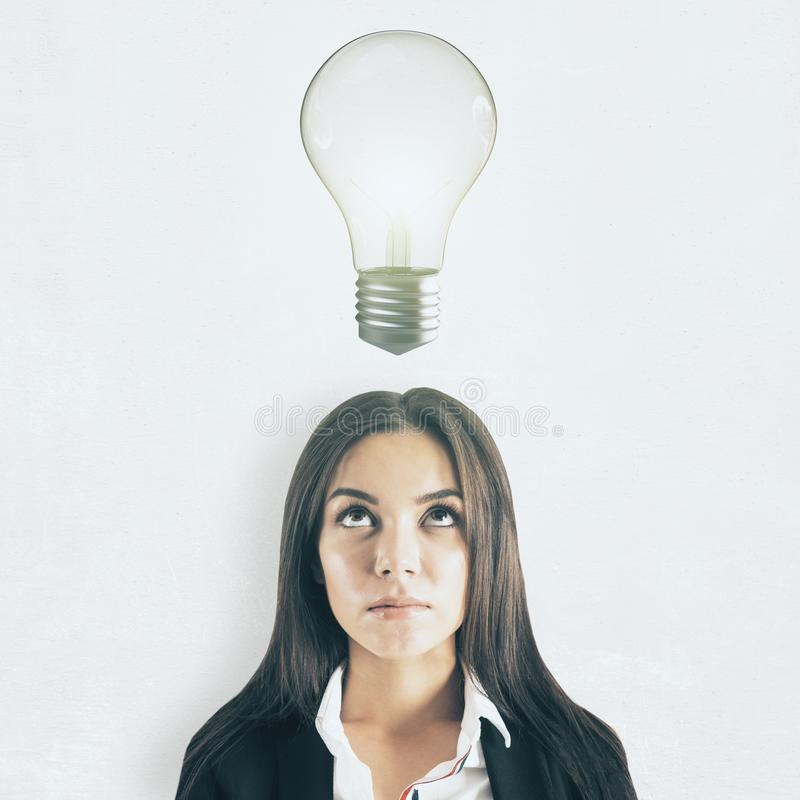 Idé och innovationbegrepp arkivbilder
