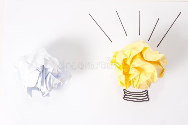 Idébegrepp med pappers- bollar arkivfoton