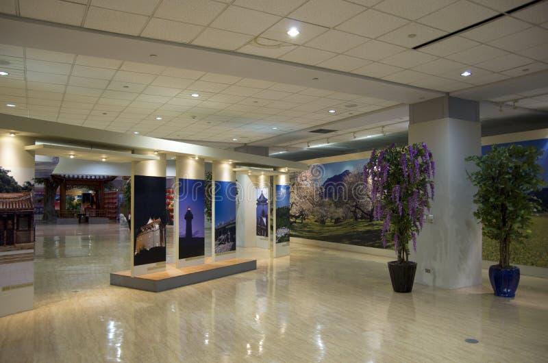 Idéer för inredesign - väntande rum för flygplats royaltyfria foton